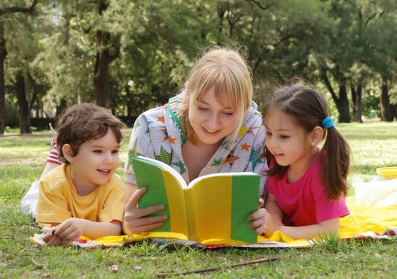 preparing kids for travel with books