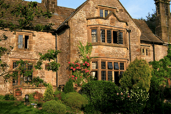 Budget Travel Tips: Lodging YHA Hostel in Derbyshire