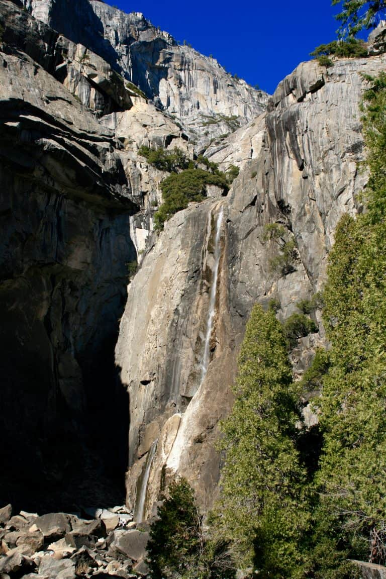 easy hikes in Yosemite to Yosemite Falls