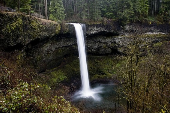 10 of the Best (and most accessible for families) Waterfalls in the USA 2