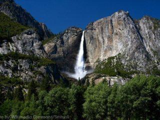 Yosemite_falls_smt