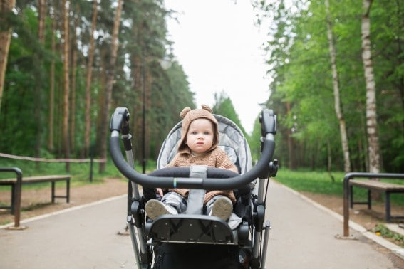 overcome jet lag with stroller walk
