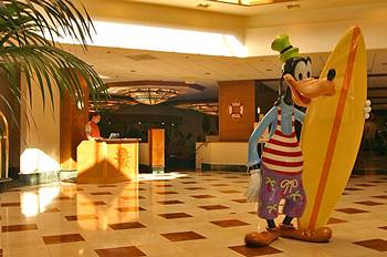 Why Stay at Disneyland Resort Hotel? 1