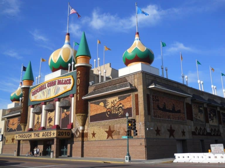 fun things to do in South Dakota at the Corn Palace