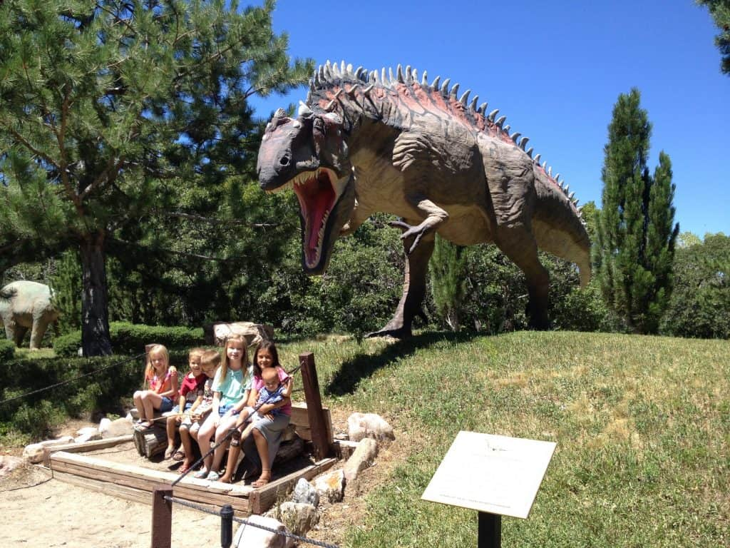 things to Do in Utah with kids include discovering Dinosaurs