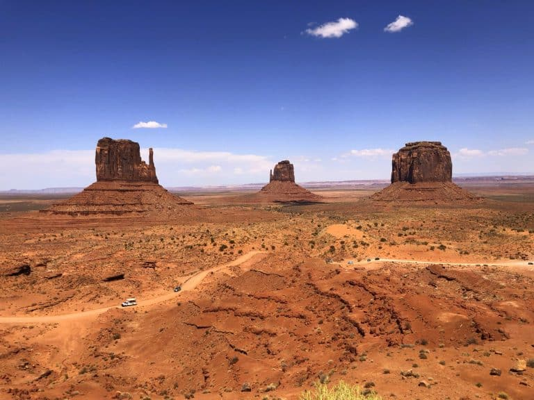 things to do in utah monument valley