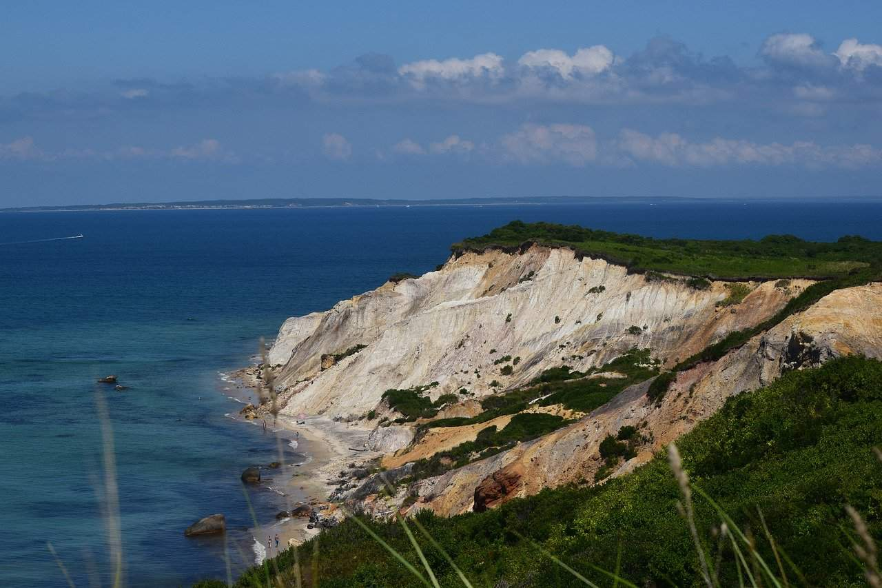 marthas vineyard coastline
