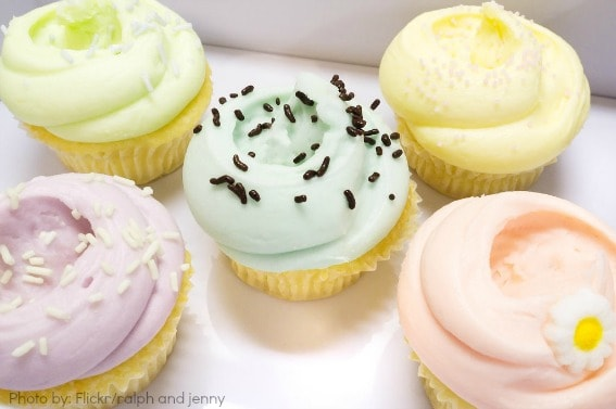 cupcakes-icing sweets and eats