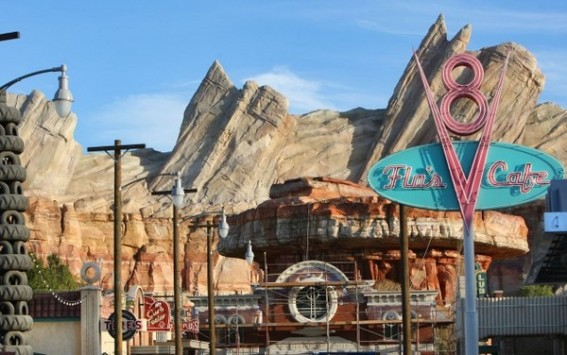 Guide to cars land in Disneyland