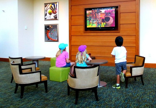 kid friendly hotels in orange county ca: Hyatt Regency Orange County Lobby