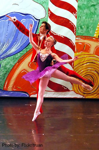 Nutcracker Ballet  at the Sangre de Christo Art Center (Flickr/truan)