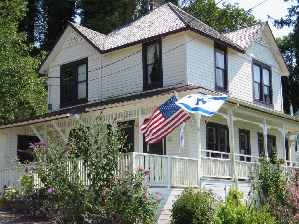 one of the best things to do in Astoria Oregon is visit the Goonies House