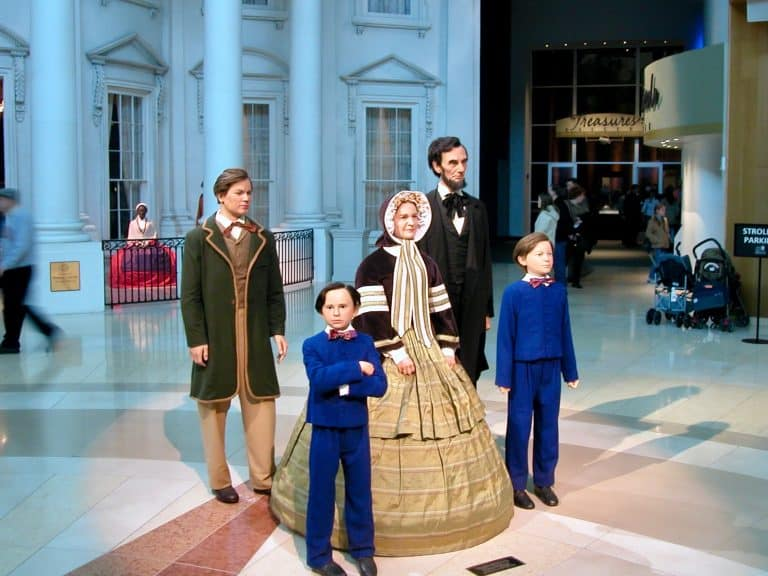 Things to do in Illinois with Kids Abraham Lincoln Library and Museum