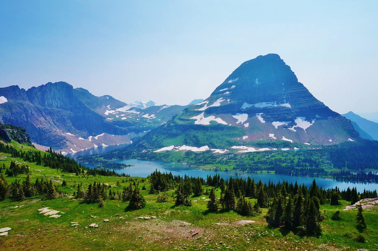 logan pass in Glacier National Park is one of the best places to visit in Montana