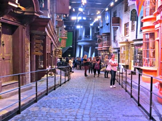 Warner-Bros-Studio-Tour-London-Harry-Potter-Diagon-Alley Photo Credit L. Goodmurphy
