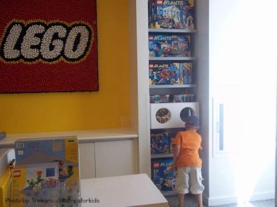 lego-store-Rockefeller-plaza