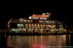 Downtown_Disney_-_Fulton's_Crab_House_-_by_Mike_Miley