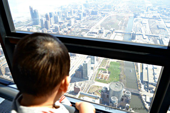 top things to do in chicago: visiting Willis Tower with Kids