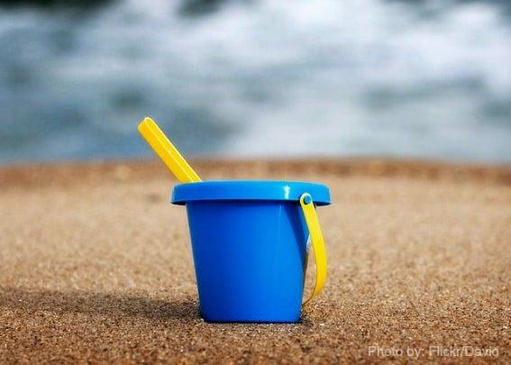 Beach-Sand-Toys-Bucket-Trekaroo