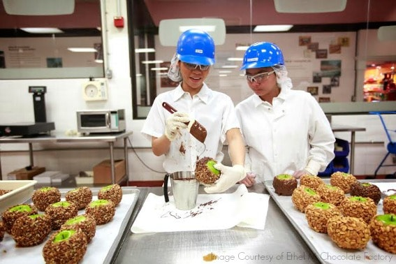 chocolate factory tour top 10 las vegas with kids