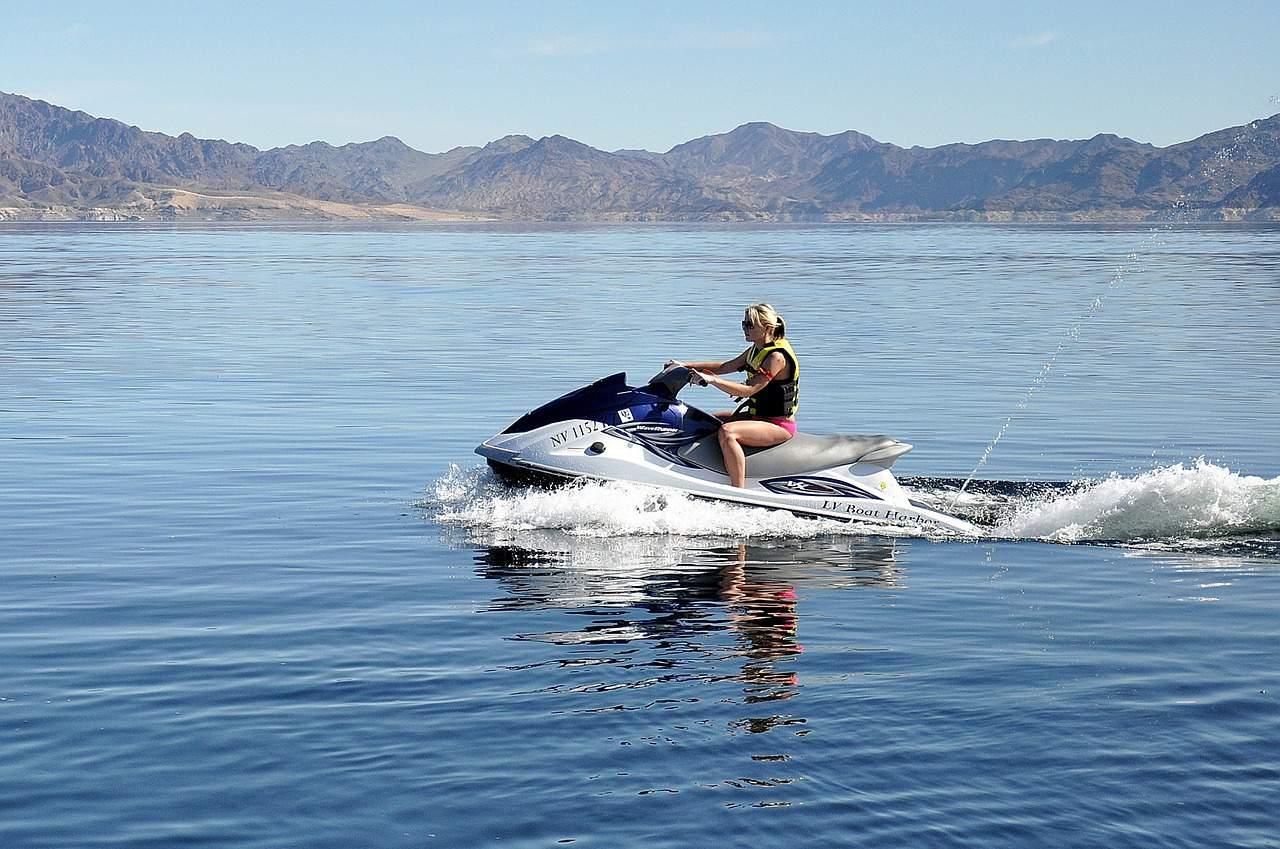 lake mead is a great place to beat the heat near Las Vegas