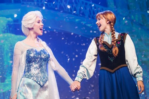 Frozen Anna and Elsa at Disney parks