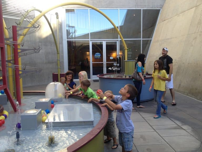 things-to-do-in-phoenix-with-kids-arizona-science-center