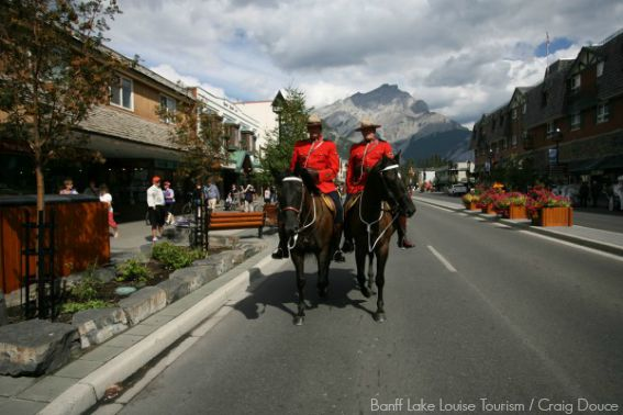 Heritage_Red_Serge_RCMP_Banff_Avenue_Summer_Craig_Douce_1_Horizontal