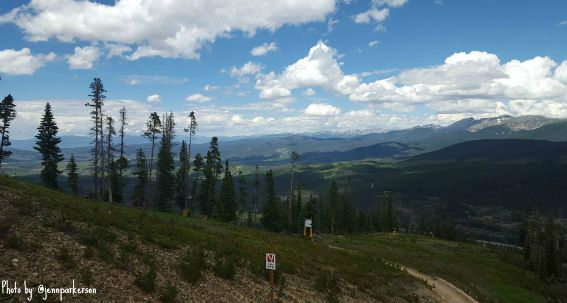 Winter Park Resort Trails offer exceptional hikes for families of every hiking level and ability. Tucked in the beautiful background of Colorado, Explore more tips on a summertime vacation in Winter Park, Colorado! #winterpark