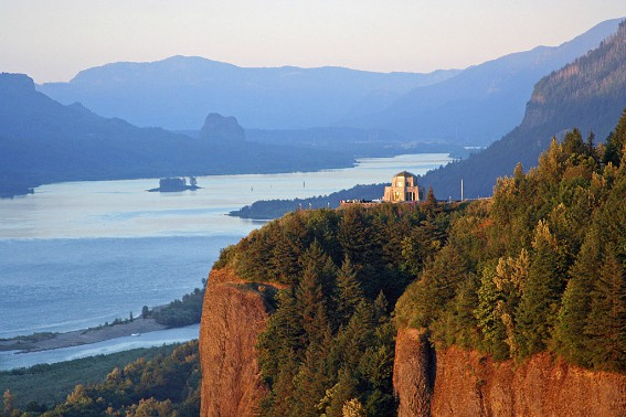 Columbia River Gorge Photo by Flickr springfieldhomer