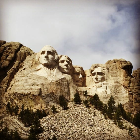 Mt Rushmore Road trip from Chicago to Yellowstone