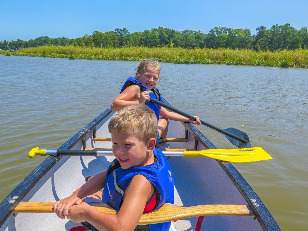 Things to do in Williamsburg with kids   including Canoeing the James River