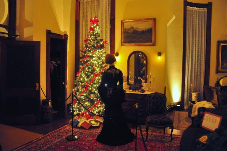 christmas-in-tampa-victorian-stroll-by-flickr-walter