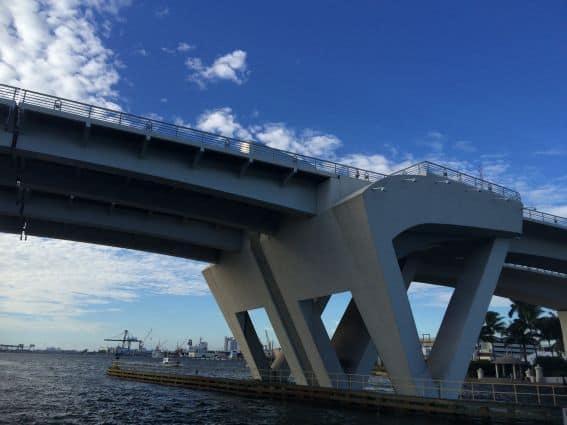 Fort Lauderdale Intercostal Waterway Under 17th Street Bridge