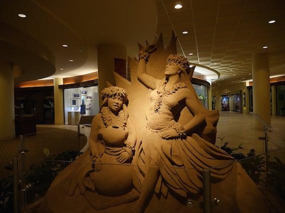 Sheraton-Waikiki-Best-Hotels-in-Oahu