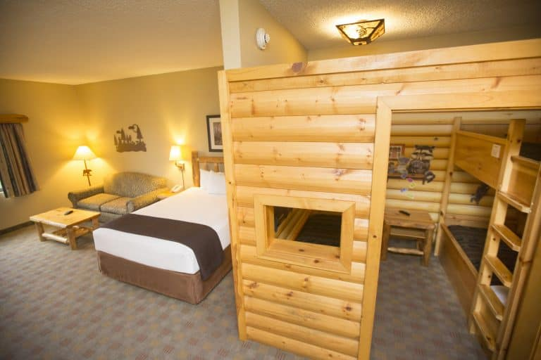 Great Wolf Lodge tips for accommodations- book a single room (even for large families)