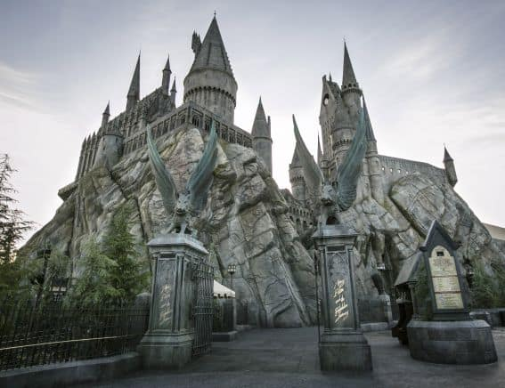 Hogwarts Castle Exterior-WWoHP at USH-PhotoCredit David Sprague