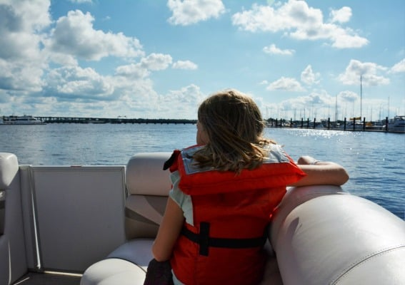 Trent River New Bern, North Carolina with kids Aerie Ferr Pontoon Boat