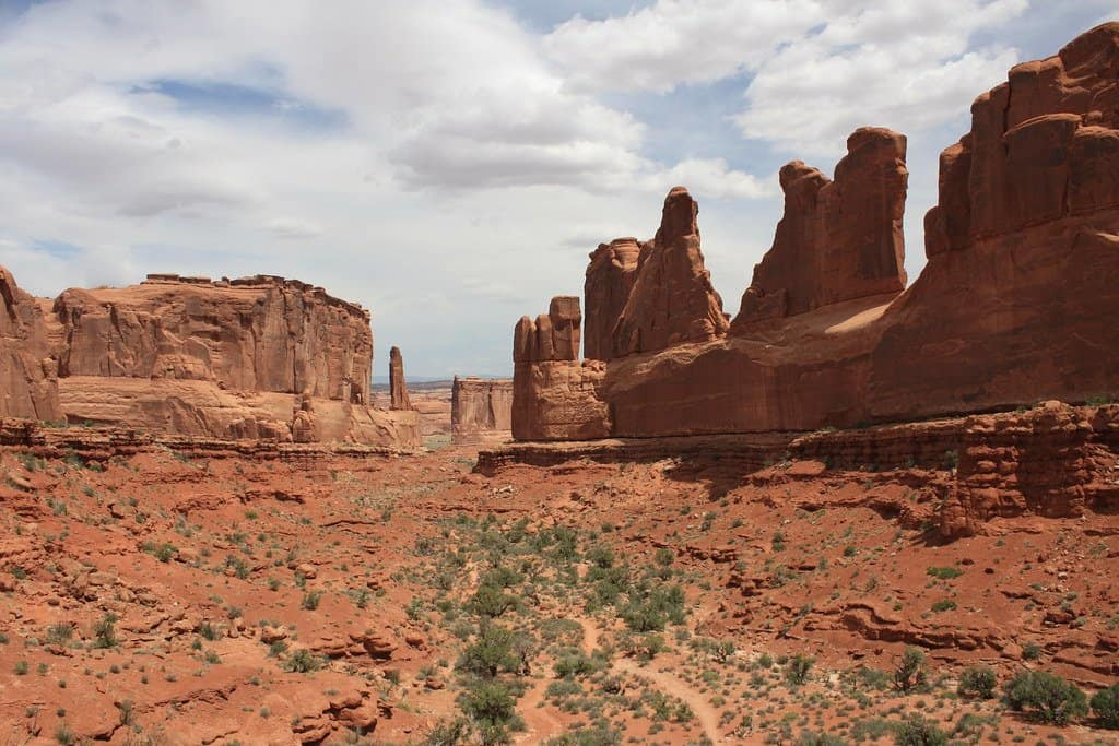 park avenue in Arches National Park is a great place to visit with kids