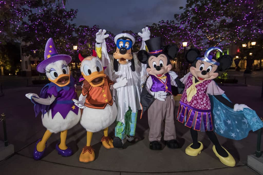 disneyland-halloween-time-mickey-and-friends-in-costume-by-disney-parks