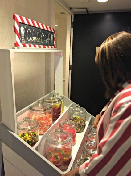 ritz-carlton-chicago-luxury-kids-candy-cart