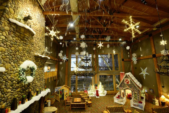 snowland-lobby-great-wolf-lodge-trekaroo
