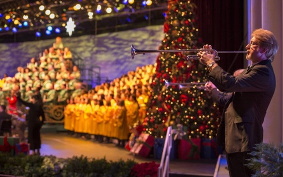 Epcot-Candlelight-Processional