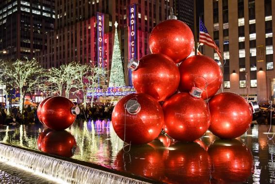 bigstock-Christmas-Decorations-New-Yor-82711469