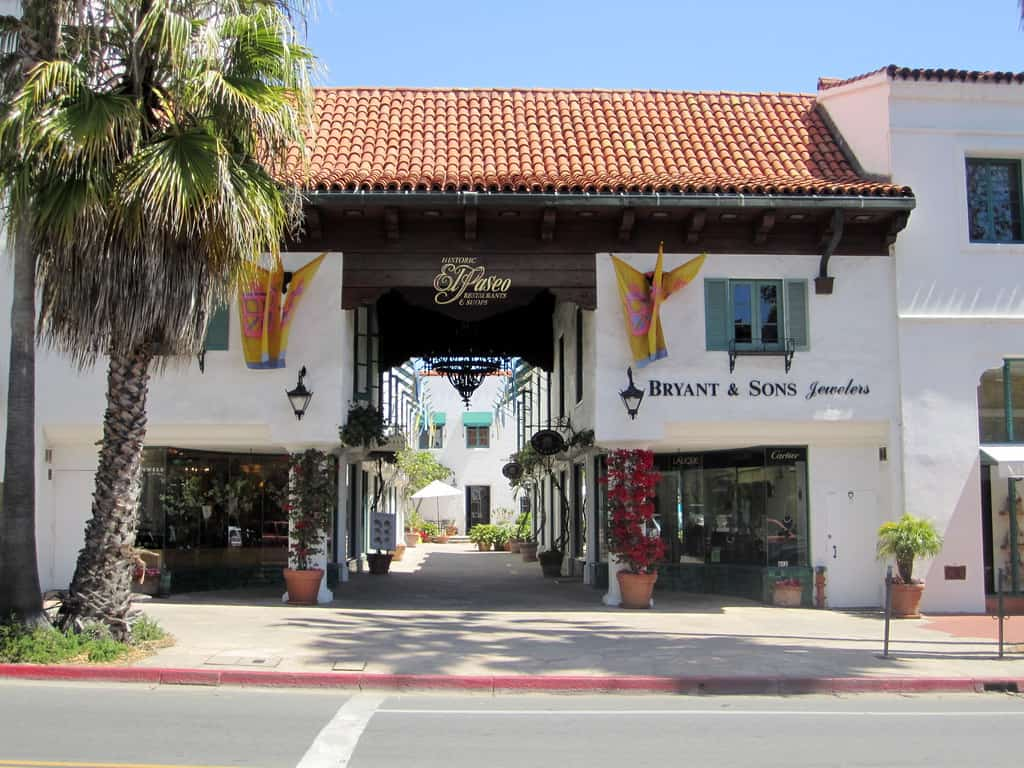 Shopping on el Paseo is one of the popular things to do in Santa Barbara