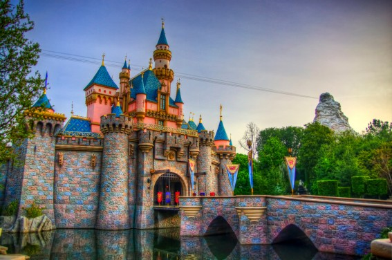 15 Money Saving Tips for Disneyland Deals