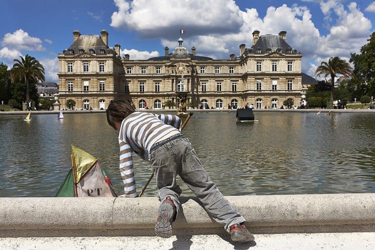 Places to Visit in Paris Jardin du Luxemburg, Paris with Kids - flickr/djidjiperroto