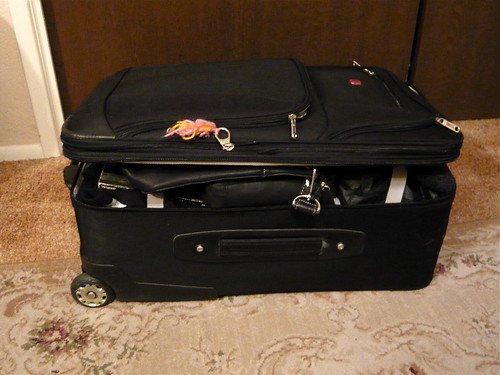 packing suitcase photo