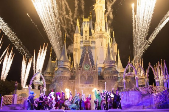 Hocus Pocus Villain Spelltacular at Walt Disney World's Magic Kingdom