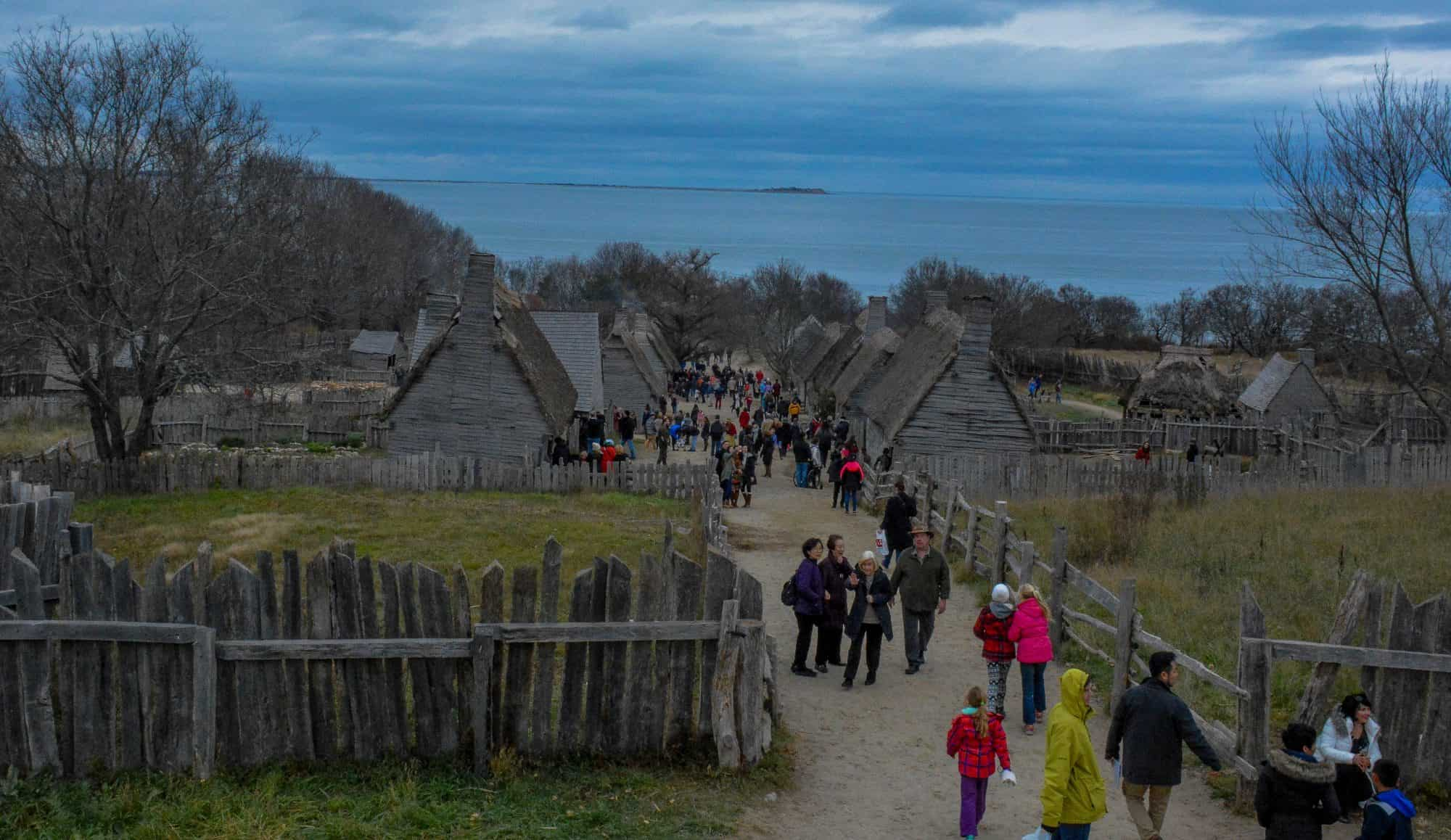 A Thanksgiving Visit to Plimoth Plantation with Kids ...
